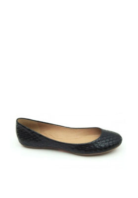 How Do You Choose The Best Flat Shoes For Women?